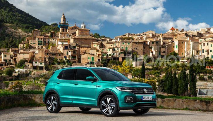 Prova Volkswagen T-Cross: il crossover comodo per far viaggiare il mercato - Foto 4 di 35