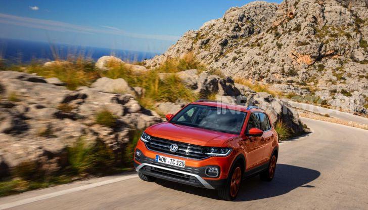 Prova Volkswagen T-Cross: il crossover comodo per far viaggiare il mercato - Foto 32 di 35