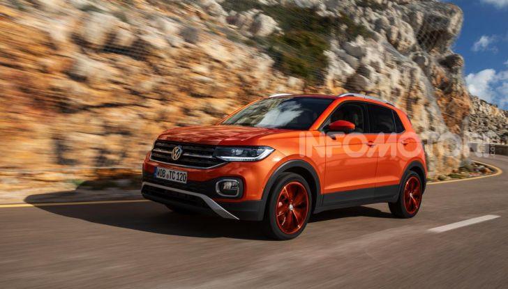 Prova Volkswagen T-Cross: il crossover comodo per far viaggiare il mercato - Foto 31 di 35