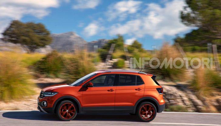 Prova Volkswagen T-Cross: il crossover comodo per far viaggiare il mercato - Foto 13 di 35