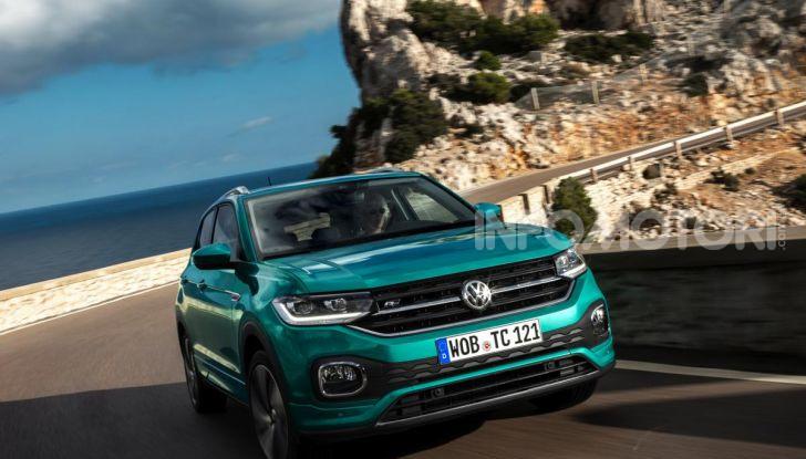 Prova Volkswagen T-Cross: il crossover comodo per far viaggiare il mercato - Foto 11 di 35