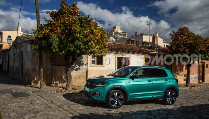 Prova Volkswagen T-Cross: il crossover comodo per far viaggiare il mercato - Foto 10 di 35