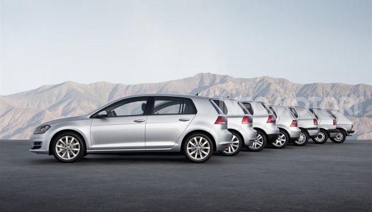Volkswagen Golf: 45 anni di storia in continua evoluzione - Foto 2 di 12