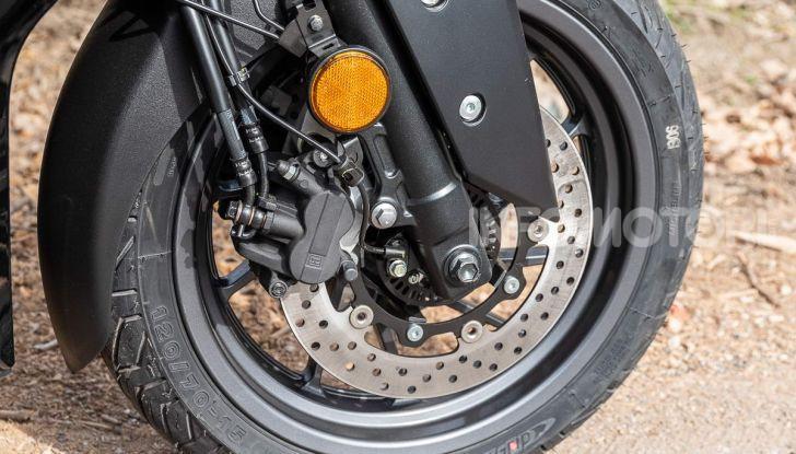 Comparativa scooter 400: Suzuki Burgman, Yamaha XMAX e BMW C400X - Foto 46 di 61