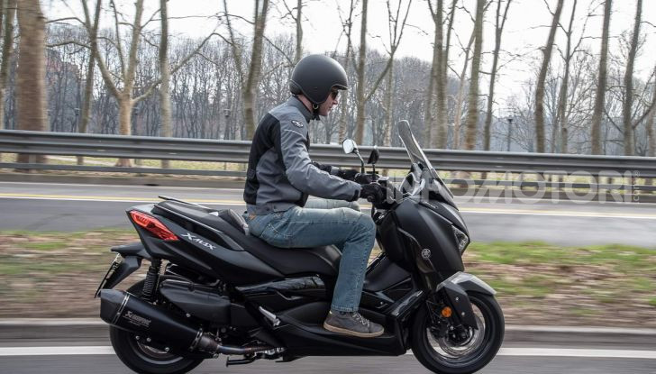 Comparativa scooter 400: Suzuki Burgman, Yamaha XMAX e BMW C400X - Foto 59 di 61