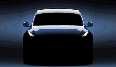 Tesla Model Y prezzi, prestazioni e caratteristiche