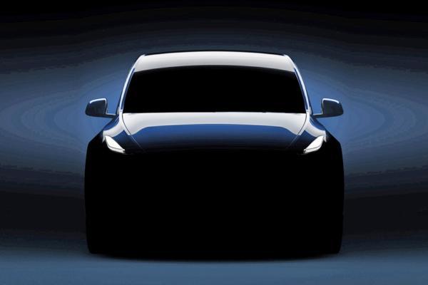 Tesla Model Y prezzi, prestazioni e caratteristiche - Foto 1 di 12