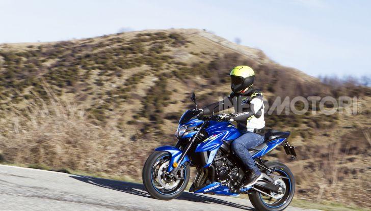 Suzuki GSX-S750 Yugen si fa in due: ecco le versioni Titanium e Carbon - Foto 6 di 8