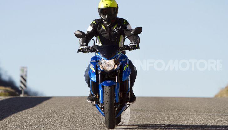 Suzuki GSX-S750 Yugen si fa in due: ecco le versioni Titanium e Carbon - Foto 8 di 8