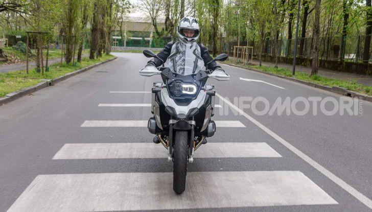 Prova BMW R 1250 GS 2019: la regina è ancora più nuova con lo ShiftCam - Foto 31 di 48