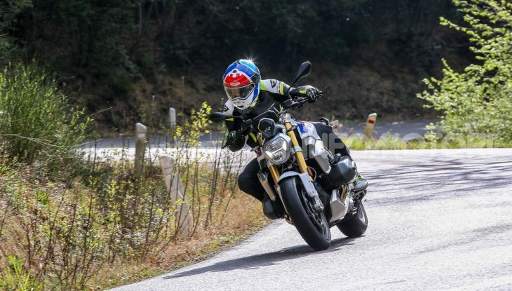 Prova BMW R 1250 R 2019: la ShiftCam arriva anche sulla Naked! - Foto 21 di 45