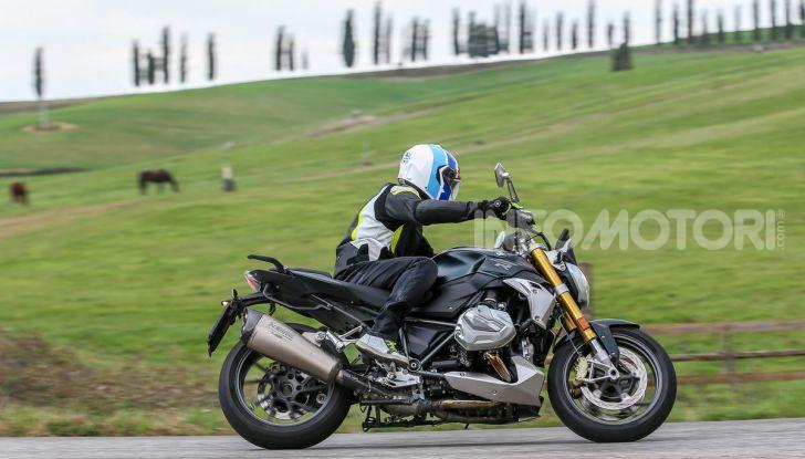 Prova BMW R 1250 R 2019: la ShiftCam arriva anche sulla Naked! - Foto 29 di 45