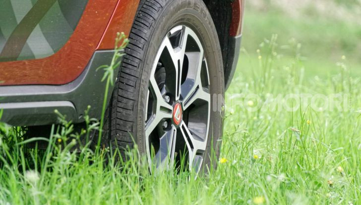 """Prova video Dacia Duster Techroad: il SUV low cost """"speciale"""" - Foto 39 di 61"""