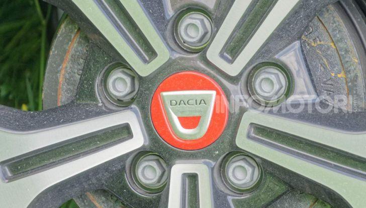 """Prova video Dacia Duster Techroad: il SUV low cost """"speciale"""" - Foto 47 di 61"""