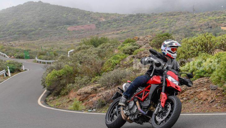 Prova su strada Ducati Hypermotard 950 e 950SP 2019: caratteristiche, opinioni e prezzi - Foto 2 di 54