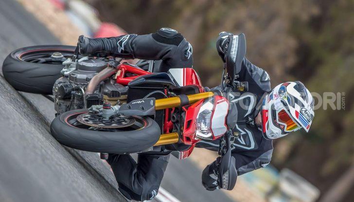 Prova su strada Ducati Hypermotard 950 e 950SP 2019: caratteristiche, opinioni e prezzi - Foto 10 di 54