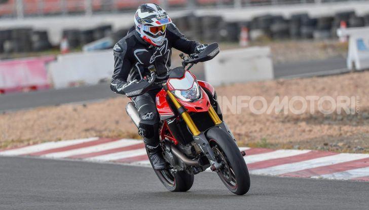 Prova su strada Ducati Hypermotard 950 e 950SP 2019: caratteristiche, opinioni e prezzi - Foto 11 di 54