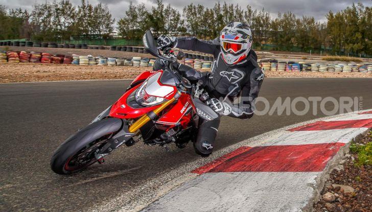 Prova su strada Ducati Hypermotard 950 e 950SP 2019: caratteristiche, opinioni e prezzi - Foto 1 di 54