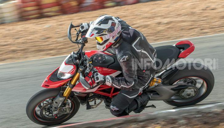 Prova su strada Ducati Hypermotard 950 e 950SP 2019: caratteristiche, opinioni e prezzi - Foto 13 di 54