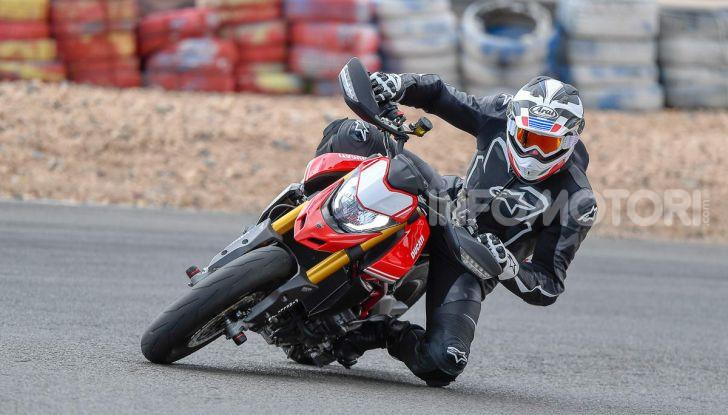 Prova su strada Ducati Hypermotard 950 e 950SP 2019: caratteristiche, opinioni e prezzi - Foto 14 di 54