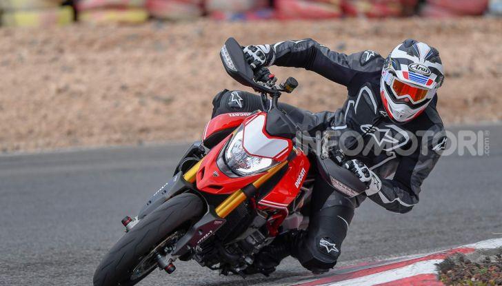Prova su strada Ducati Hypermotard 950 e 950SP 2019: caratteristiche, opinioni e prezzi - Foto 18 di 54