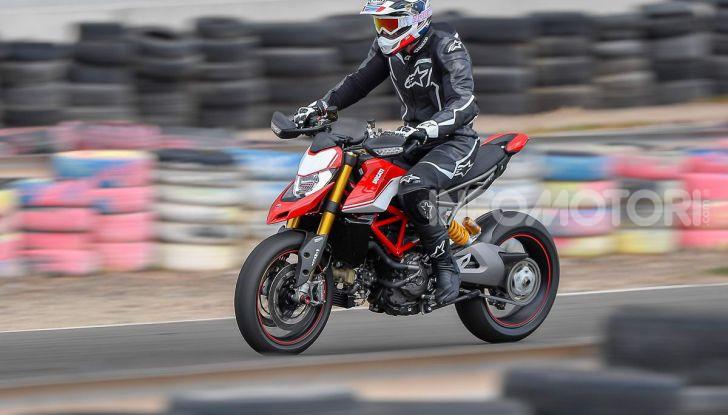 Prova su strada Ducati Hypermotard 950 e 950SP 2019: caratteristiche, opinioni e prezzi - Foto 19 di 54