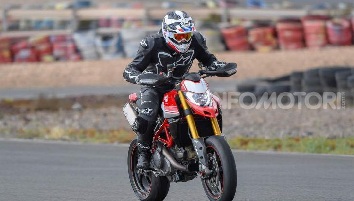 Prova su strada Ducati Hypermotard 950 e 950SP 2019: caratteristiche, opinioni e prezzi - Foto 20 di 54