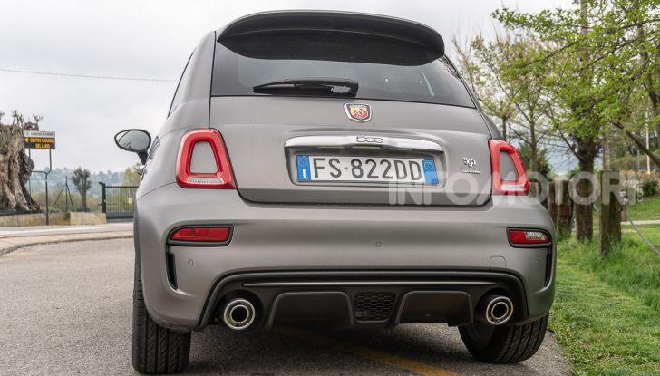 Prova Abarth 595 Turismo: potenza e stile per la piccola sportiva italiana - Foto 8 di 41
