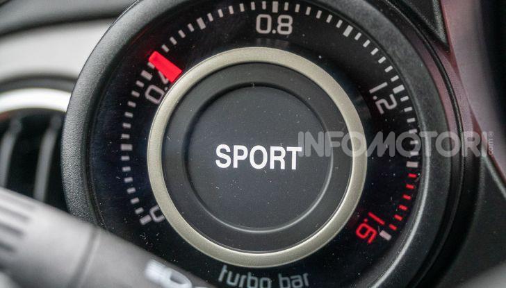 Prova Abarth 595 Turismo: potenza e stile per la piccola sportiva italiana - Foto 19 di 41