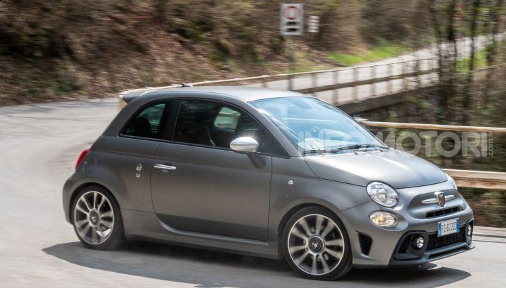 Prova Abarth 595 Turismo: potenza e stile per la piccola sportiva italiana - Foto 34 di 41