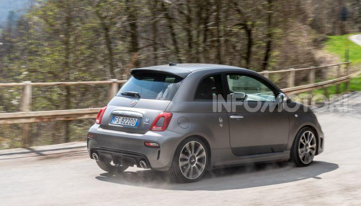 Prova Abarth 595 Turismo: potenza e stile per la piccola sportiva italiana - Foto 35 di 41