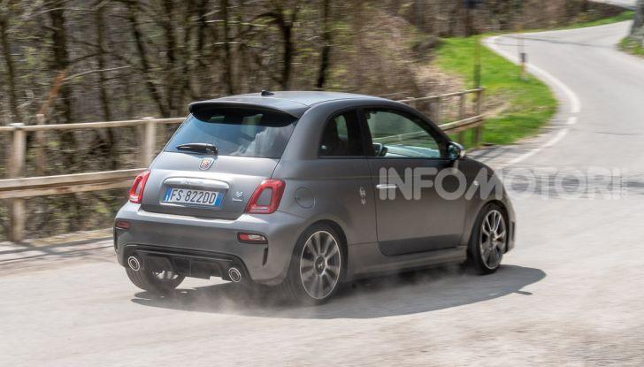 Prova Abarth 595 Turismo: potenza e stile per la piccola sportiva italiana - Foto 36 di 41