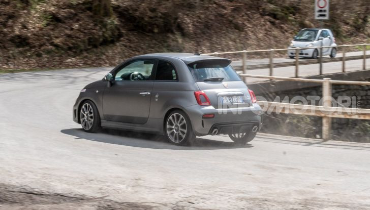 Prova Abarth 595 Turismo: potenza e stile per la piccola sportiva italiana - Foto 37 di 41