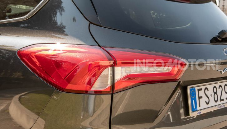 Prova Ford Focus SW Vignale 1.0 EcoBoost 125 cv: esperienza Ford all'ennesima potenza - Foto 16 di 41