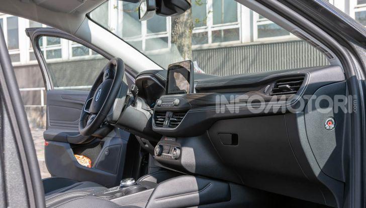 Prova Ford Focus SW Vignale 1.0 EcoBoost 125 cv: esperienza Ford all'ennesima potenza - Foto 18 di 41