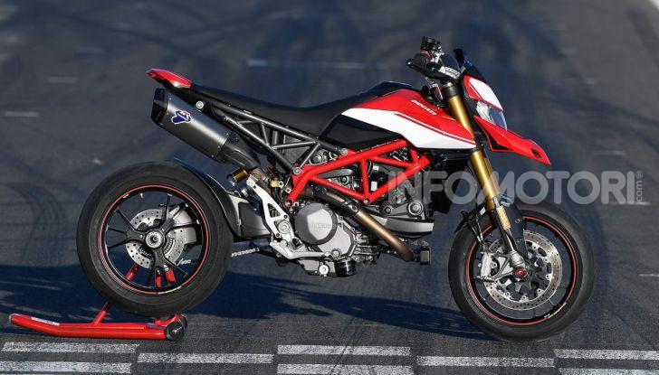 Prova su strada Ducati Hypermotard 950 e 950SP 2019: caratteristiche, opinioni e prezzi - Foto 22 di 54