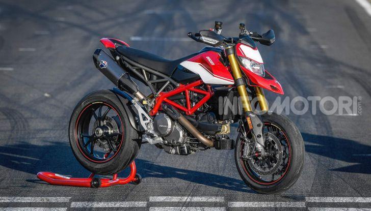 Prova su strada Ducati Hypermotard 950 e 950SP 2019: caratteristiche, opinioni e prezzi - Foto 23 di 54