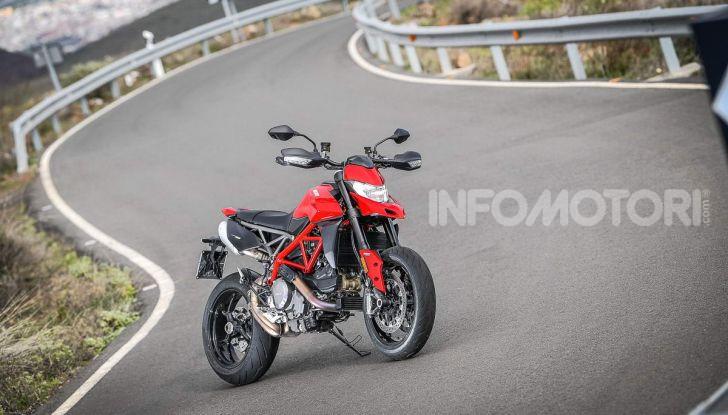 Prova su strada Ducati Hypermotard 950 e 950SP 2019: caratteristiche, opinioni e prezzi - Foto 24 di 54