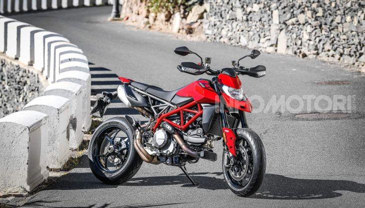 Prova su strada Ducati Hypermotard 950 e 950SP 2019: caratteristiche, opinioni e prezzi - Foto 25 di 54