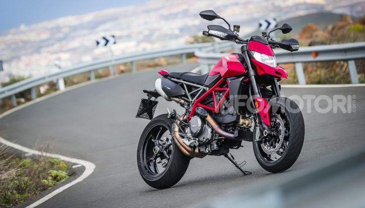 Prova su strada Ducati Hypermotard 950 e 950SP 2019: caratteristiche, opinioni e prezzi - Foto 27 di 54