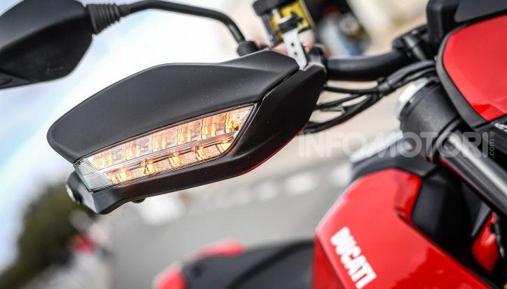 Prova su strada Ducati Hypermotard 950 e 950SP 2019: caratteristiche, opinioni e prezzi - Foto 28 di 54