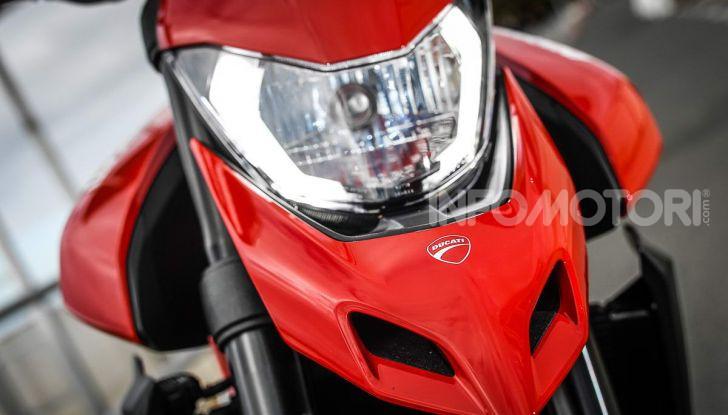 Prova su strada Ducati Hypermotard 950 e 950SP 2019: caratteristiche, opinioni e prezzi - Foto 30 di 54