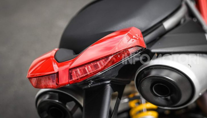 Prova su strada Ducati Hypermotard 950 e 950SP 2019: caratteristiche, opinioni e prezzi - Foto 34 di 54