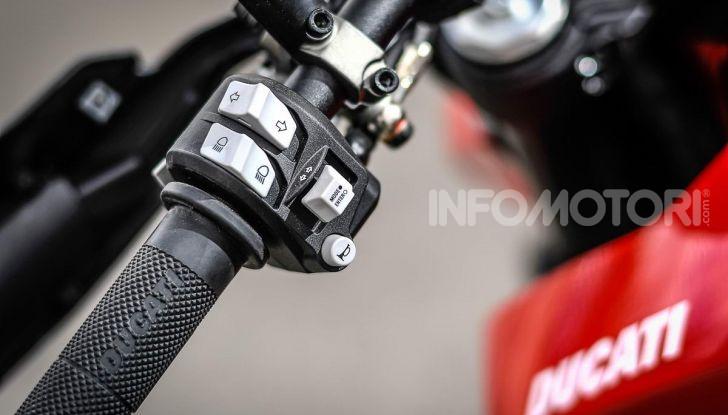 Prova su strada Ducati Hypermotard 950 e 950SP 2019: caratteristiche, opinioni e prezzi - Foto 36 di 54