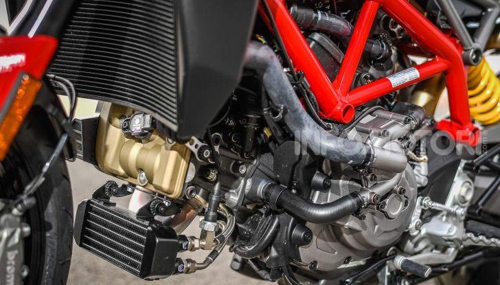 Prova su strada Ducati Hypermotard 950 e 950SP 2019: caratteristiche, opinioni e prezzi - Foto 40 di 54