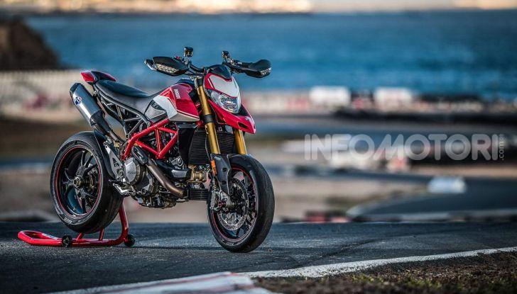 Prova su strada Ducati Hypermotard 950 e 950SP 2019: caratteristiche, opinioni e prezzi - Foto 45 di 54