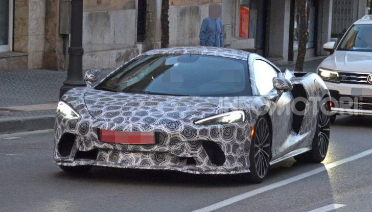 McLaren Grand Tourer 2020, prime immagini e dati tecnici - Foto 5 di 13
