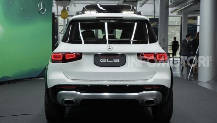 Mercedes Concept GLB: debutta il nuovo SUV compatto tedesco - Foto 16 di 18