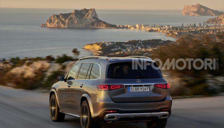 Mercedes GLS 2019: il nuovo SUV ammiraglio della casa tedesca - Foto 32 di 70