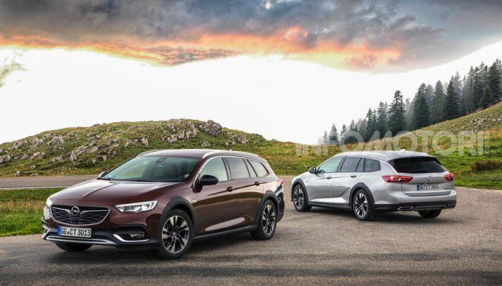 Opel Insigna Country Tourer 2019: rinasce la station wagon tedesca - Foto 1 di 9